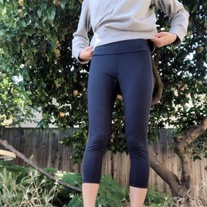Tory Burch/Tory Sport Capri Leggings Size S - Navy